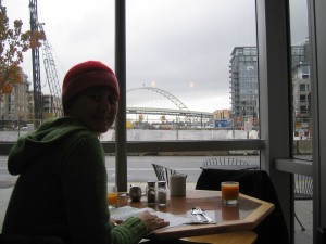 having our first morning coffee in the Pearl where we have rented an apartment through Craigslist